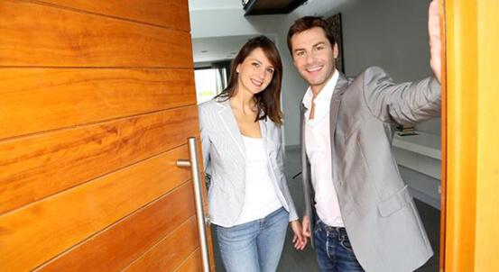 Vchodové dvere z profilov GEALAN a IGLO