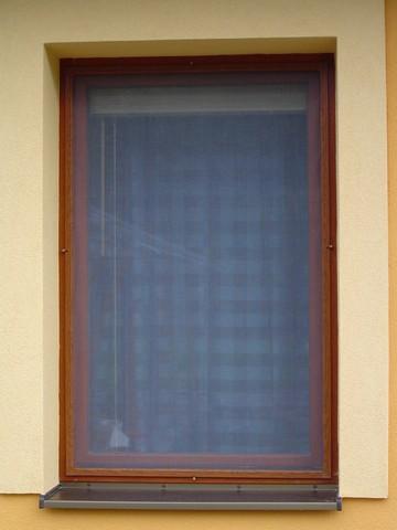 Siete proti hmyzu na okne